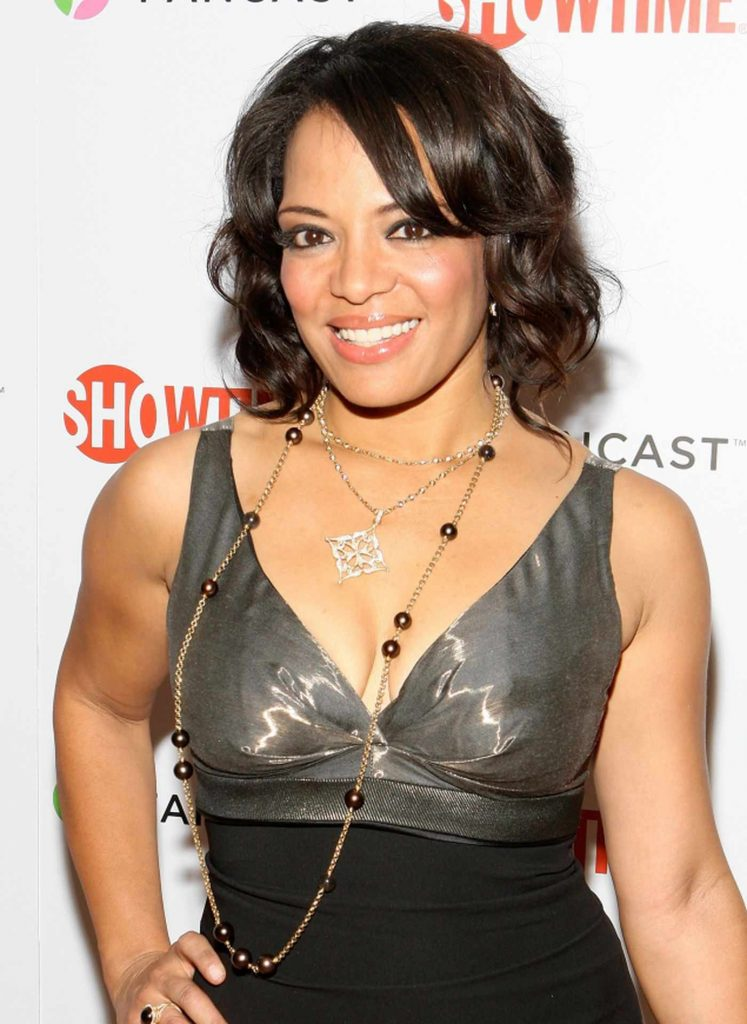 Lauren Velez arrives at the official Showtime after party for the 66th Annual Golden Globe Awards held at the Verandah Room at The Peninsula Hotel on 11th January 2009, in Beverly Hills, California.