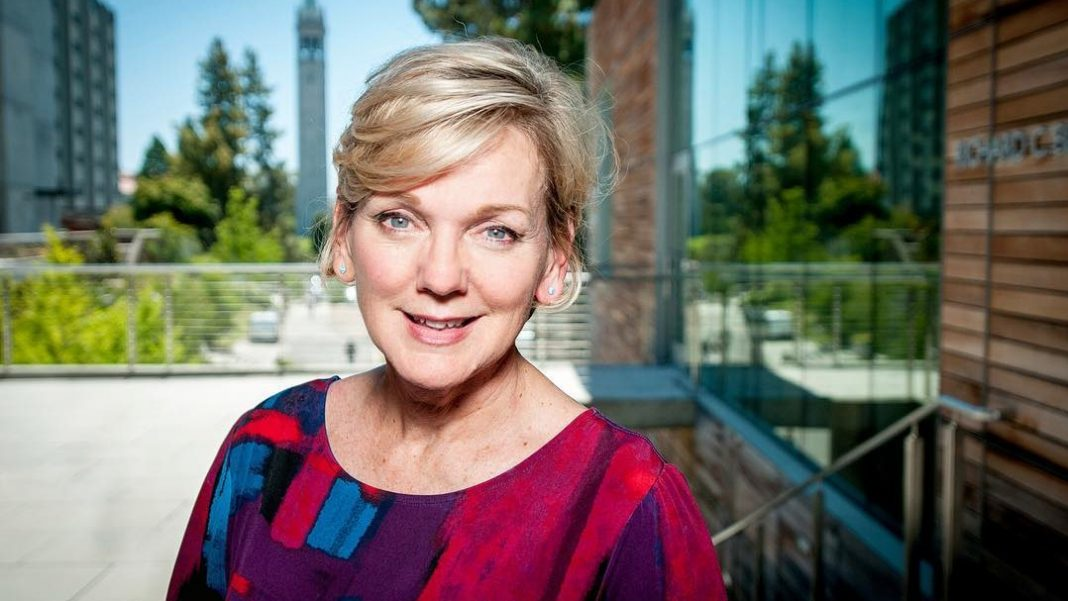 jennifer granholm net worth